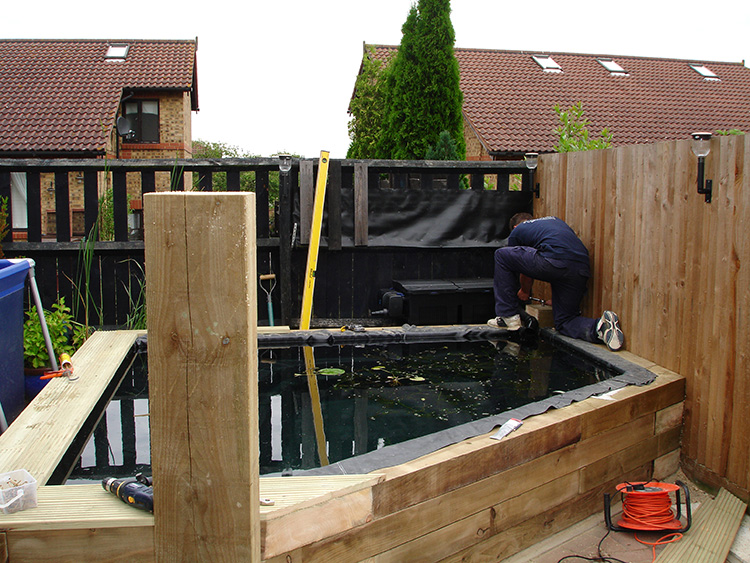 Small pond reconstruction milton keynes aqua maintenance for Small pond maintenance